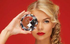 Dlaczego kobiety kochają diamenty ?