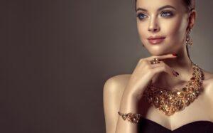 Eleganckie naszyjniki damskie na prezent