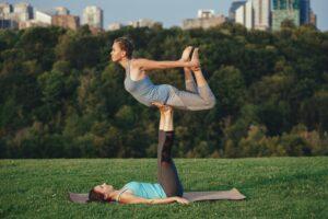 Acro Yoga – nowy sposób na aktywność