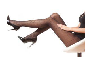 Rajstopy w kropki – czy wiesz z czym je nosić?