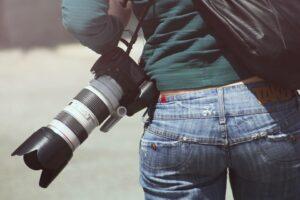Zaczynasz przygodę z fotografią? Zobacz, w co warto zainwestować!