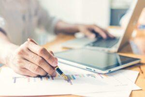 Gdzie szukać informacji o funduszach inwestycyjnych – wiedza, notowania, rankingi