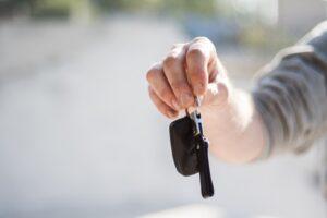 Jak wypożyczyć samochód?