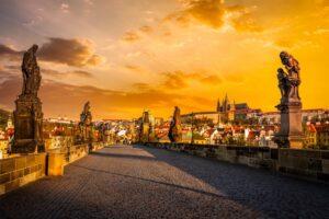 Język czeski – jak uniknąć językowej wpadki w trakcie pobytu w Pradze?