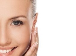 Kwas hialuronowy – wiosenne odmładzanie skóry