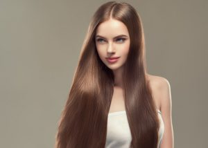Kuracje rewitalizujące i wzmacniające włosy – co powinnaś o nich wiedzieć?