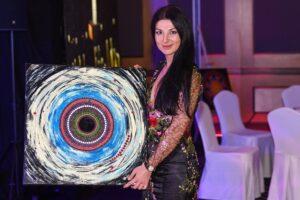 Viktoria Romanova – Hipnotyzujący świat kolorów