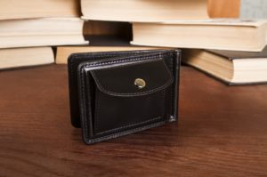 Jak wybrać idealny portfel dla mężczyzny?