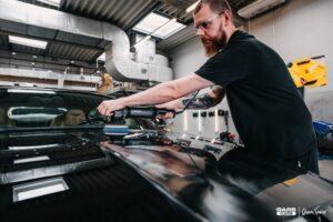 W Polsce coraz więcej luksusowych aut oraz samochodowych SPA