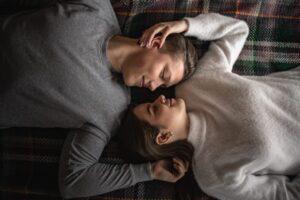 Jak spędzić romantyczne Walentynki w domu?