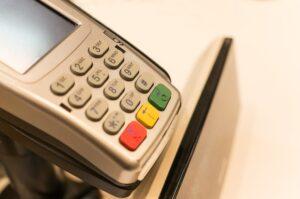 Terminale płatnicze pozwalają na szybkie i wygodne transakcje