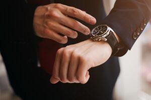 Co warto wiedzieć o eleganckich zegarkach na rękę?