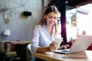 5 zasad bezpieczeństwa podczas komunikacji online