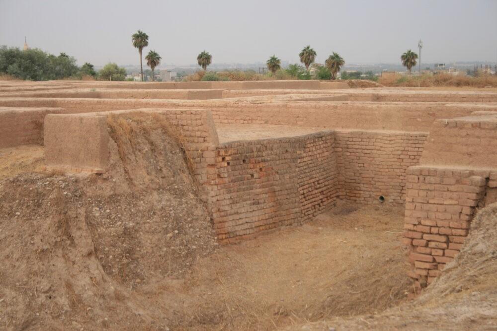 Suza, ruiny pałacu szacha