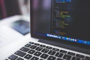Jak w czasach kryzysu może pomóc dobrze wybrane oprogramowanie dla firm?