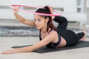 Forma bez siłowni – jak trenować w domu bez dużego nakładu finansowego
