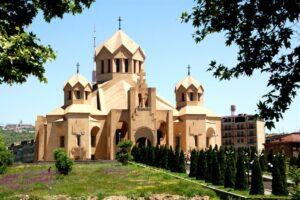 ERYWAŃ – OD WAROWNI EREBUNI DO STOLICY ARMENII