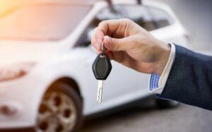 Krótkoterminowy i długoterminowy wynajem samochodów – fakty i mity