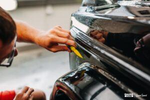 Najskuteczniejsze techniki ochrony lakieru samochodowego