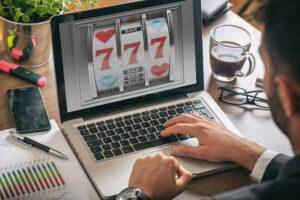 4 Korzyści z Gry w Kasynie Online