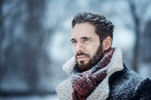 Dbanie o brodę zimą, jak robić to dobrze?