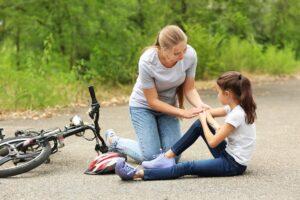 Jak postępować w przypadku kontuzji u dziecka?