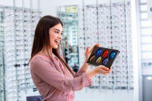 Okularowe soczewki polaryzacyjne – dla większego komfortu widzenia