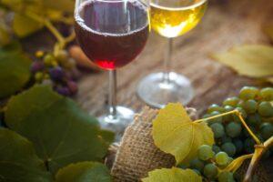 Do czego pasuje wino półsłodkie?