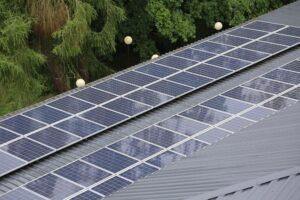 Sposoby na niezależność energetyczną domu