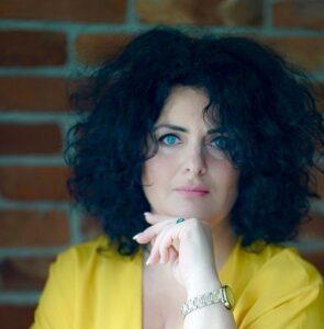 Ewa Małgorzata Wiertelak – Sukces Pisany Szminką