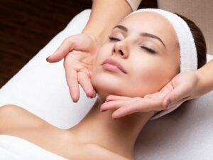 Facemodeling, czyli jak dbać o elastyczność skóry twarzy?