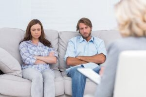 Kiedy terapia dla par pomoże, a kiedy nie jest zalecana?
